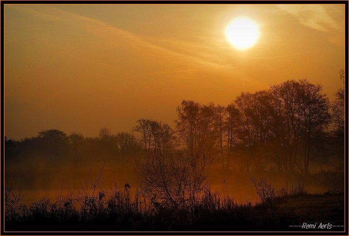 """фото """"a misty sunrise"""" метки: пейзаж, закат"""