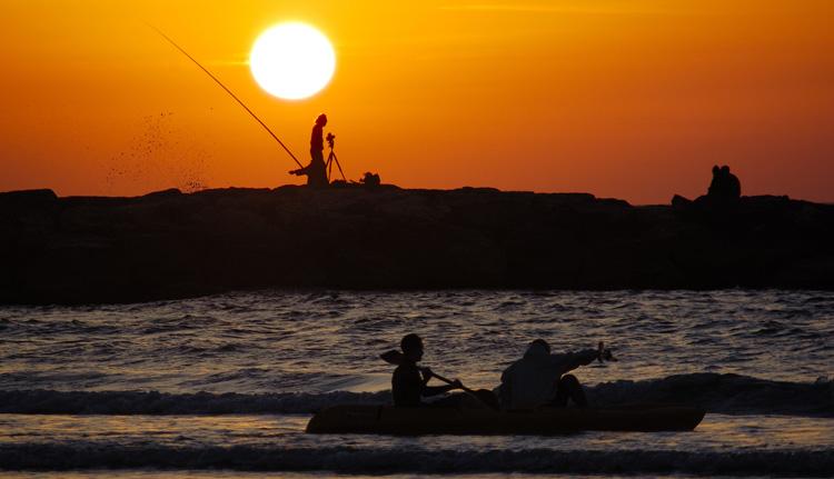 "photo ""Hot Sunset"" tags: landscape, sunset, water"