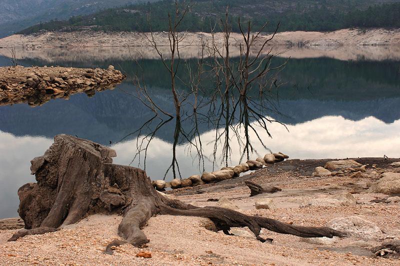 "photo ""Barrage of Vilarinho of Furnas"" tags: landscape, mountains, water"