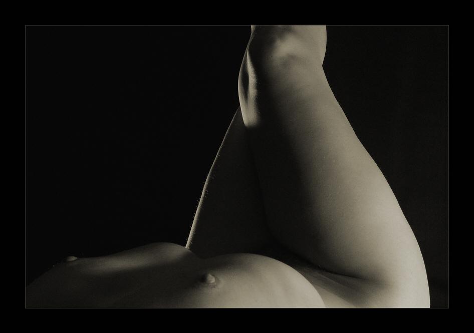 "photo ""Horizon"" tags: abstract, nude,"