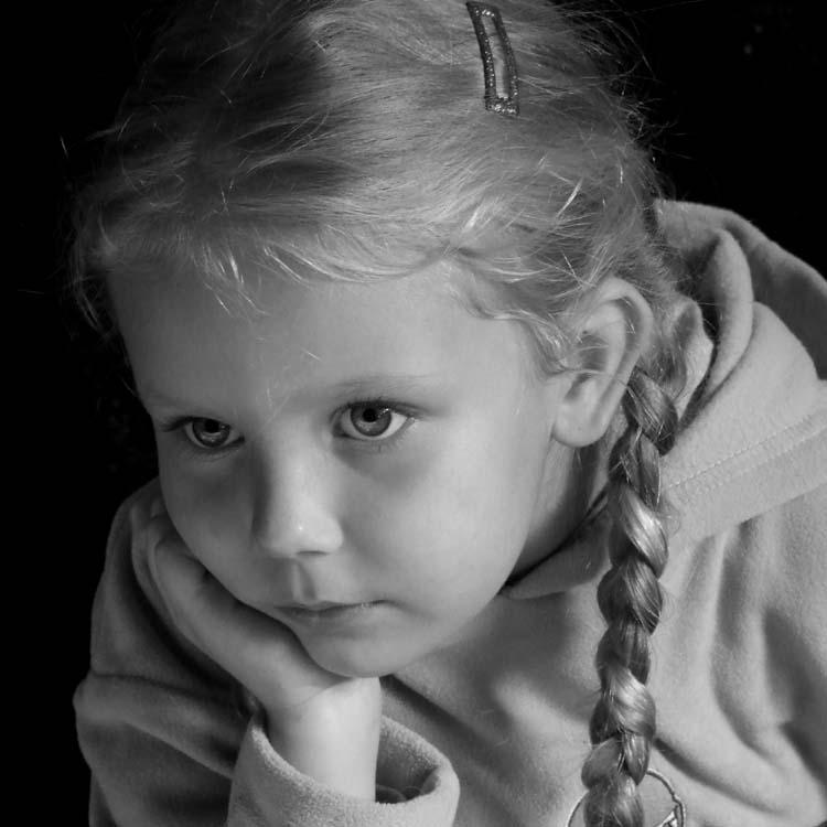 """photo """"Victoria"""" tags: portrait, black&white, children"""