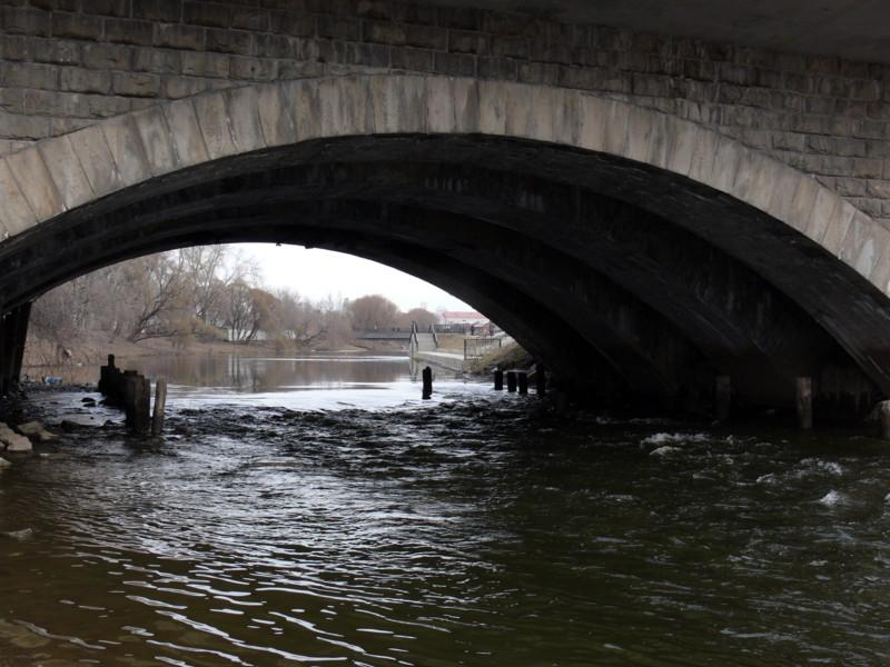"""фото """"Под мостом"""" метки: пейзаж, вода"""
