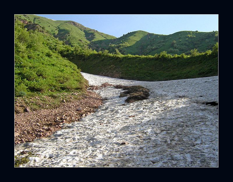 """photo """"Last snow"""" tags: landscape, mountains"""