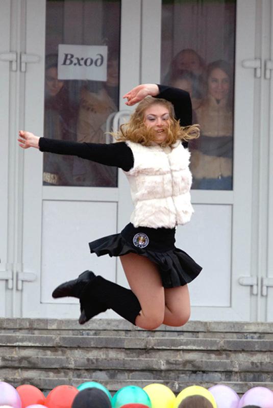"фото ""Танец у входа."" метки: репортаж, разное,"