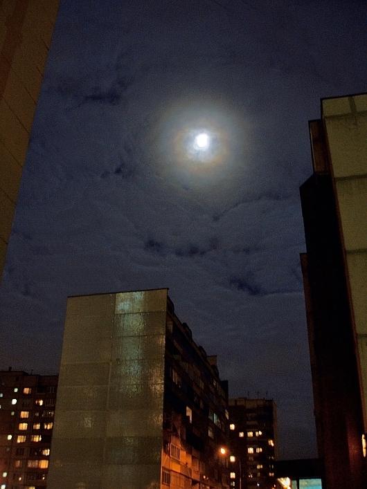 """фото """"Луна в облаках"""" метки: архитектура, пейзаж, ночь"""