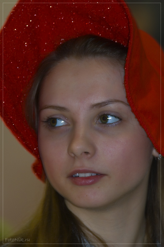 """photo """"Red Hat"""" tags: portrait, misc., woman"""