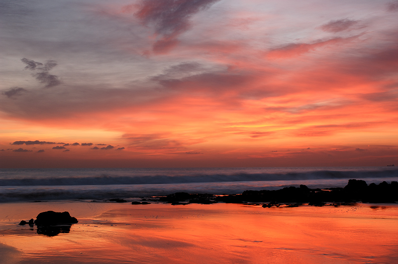 "фото ""Sunset in Carcavelos beach"" метки: пейзаж, вода, закат"