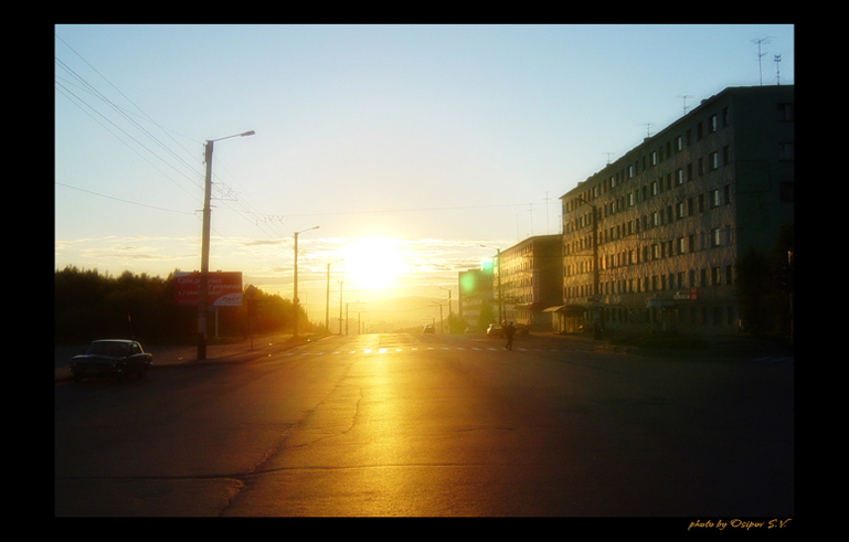 "photo ""Polar day"" tags: landscape, architecture, sunset"