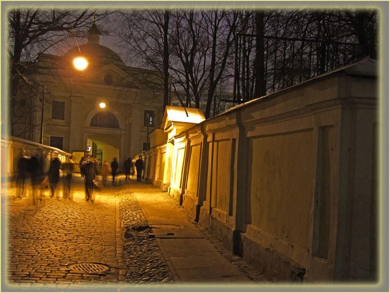 "photo ""Street, night and light."" tags: city, travel, Europe"