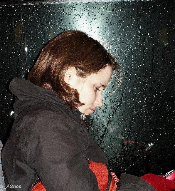 """фото """"Useless party    Дождь за оконным стеклом"""" метки: портрет, путешествия, женщина"""