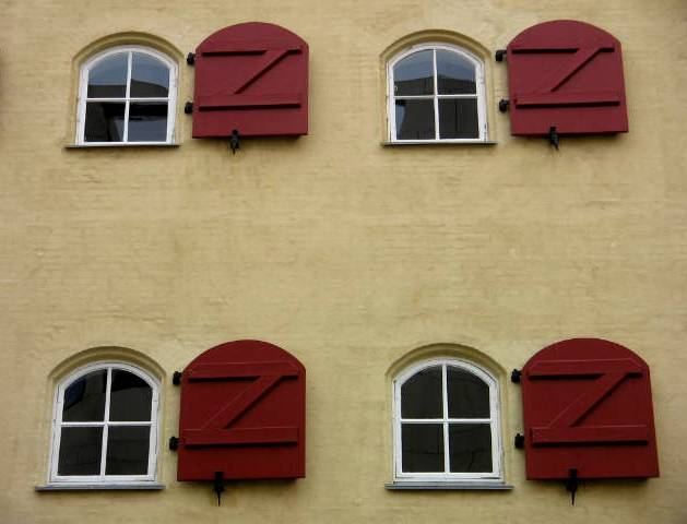 "photo ""Windows."" tags: architecture, landscape,"