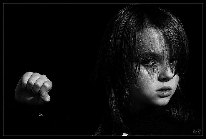 "photo ""instincts"" tags: portrait, black&white, children"