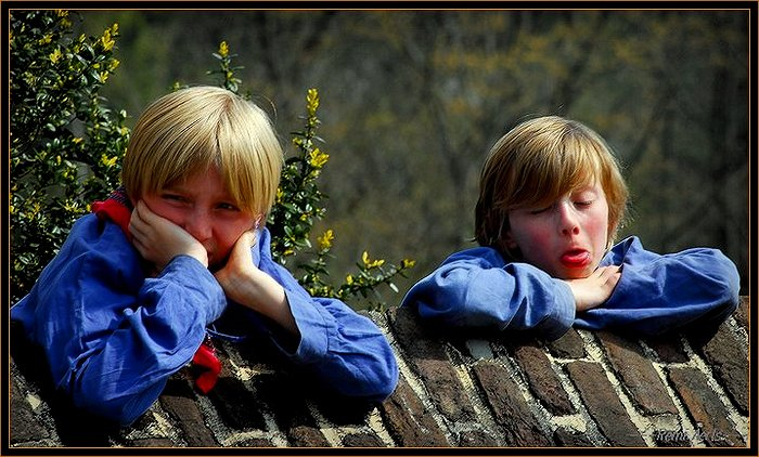 "photo ""one funny pair !!"" tags: portrait, reporting, children"