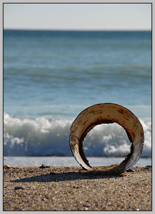"photo ""про море,песок и дырявое ведро/sea,sand and leaky bucket"" tags: abstract,"