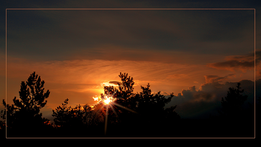 "фото ""Последние лучи заката"" метки: пейзаж, закат, облака"