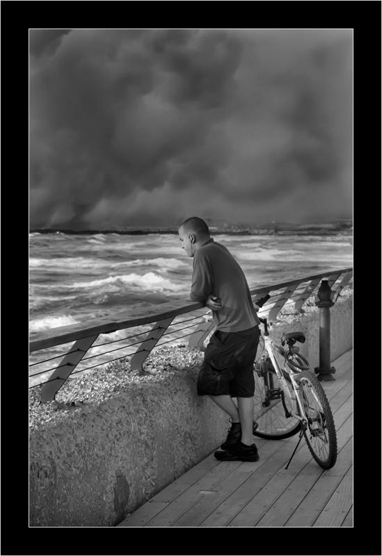 """photo """"***"""" tags: portrait, landscape, clouds, man"""