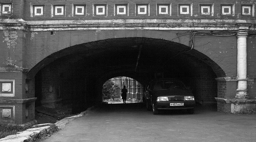 "фото ""московские арки2"" метки: город, черно-белые,"