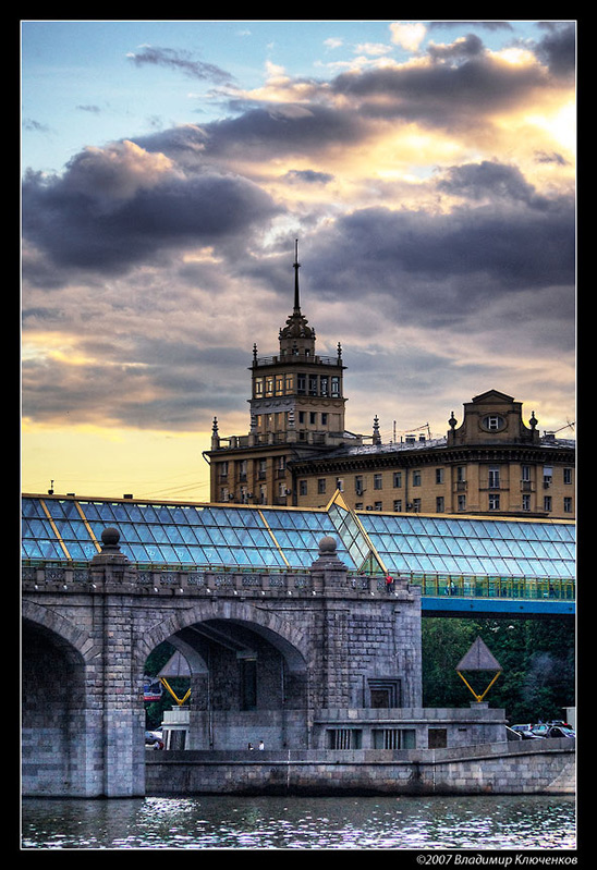 """фото """"Старое и новое"""" метки: архитектура, пейзаж, облака"""