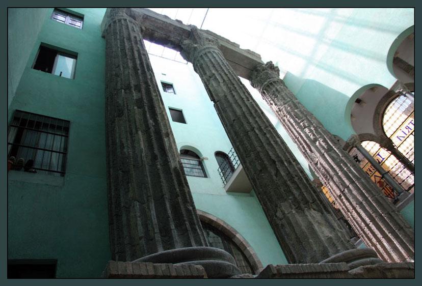 """фото """"Сочетание старины и новых строений в Барселоне"""" метки: путешествия, архитектура, пейзаж, Европа"""