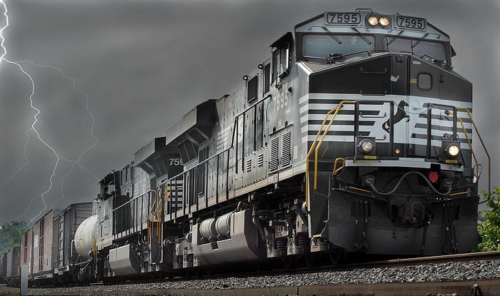 """фото """"Norfolk Southern Lightning"""" метки: пейзаж, техника,"""