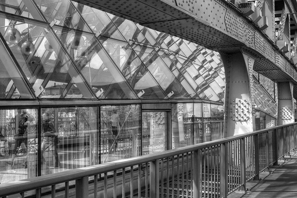 "фото ""Мост"" метки: черно-белые, город, фрагмент,"