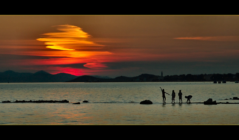 "фото ""summer's almost gone"" метки: пейзаж, вода, закат"