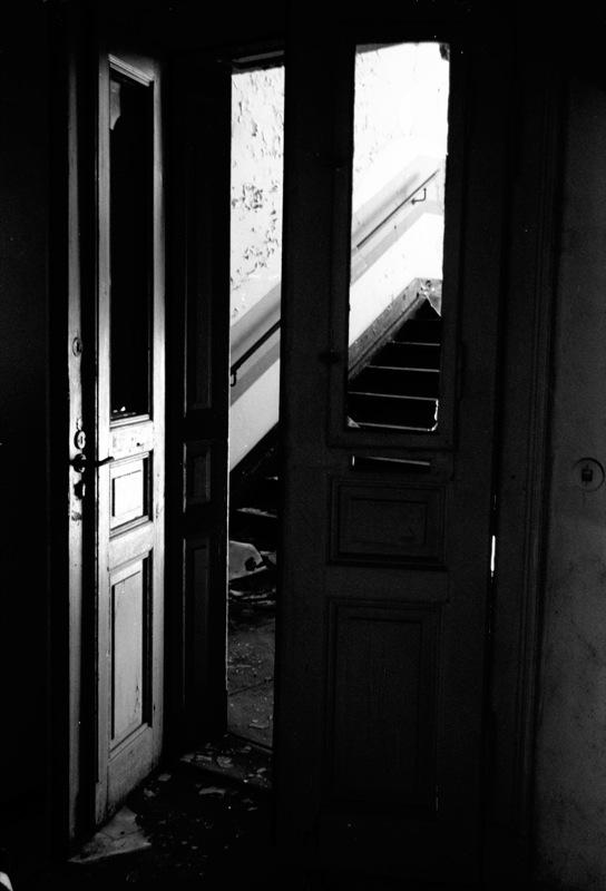 "фото ""exit"" метки: черно-белые,"