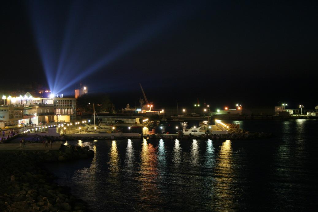 """фото """"И ночью жизнь не затихает"""" метки: город, пейзаж, ночь"""