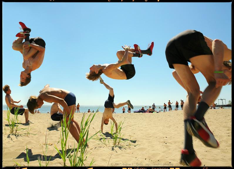 """фото """"Драматургия Пролонгированного Удовольствия: Пляжный Паркур"""" метки: ,"""