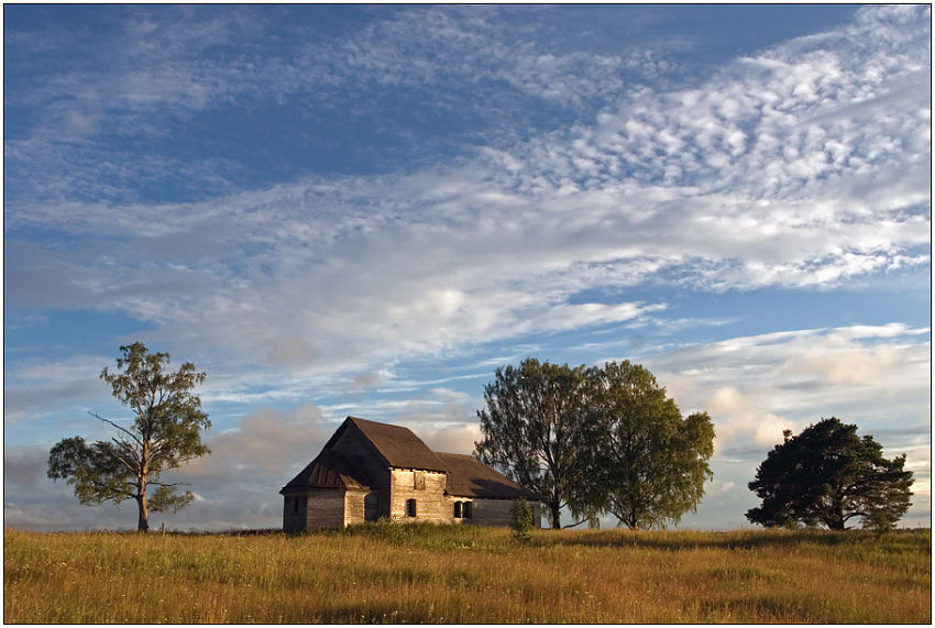"""фото """"На юру"""" метки: пейзаж, архитектура, облака"""