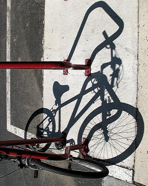 """фото """"Bicycle's shadows"""" метки: абстракция, натюрморт,"""