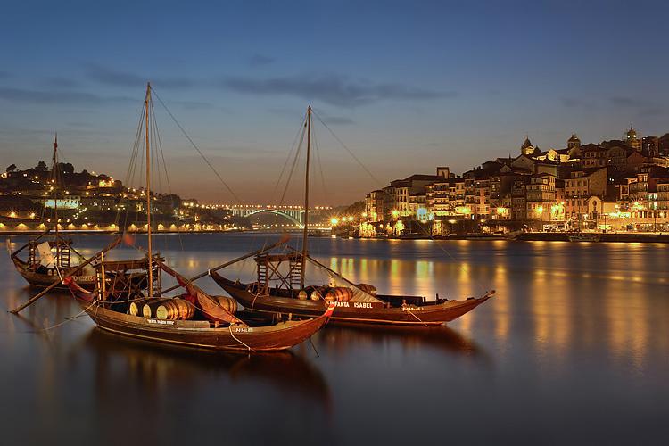 """photo """"Romantic Oporto"""" tags: landscape, night"""