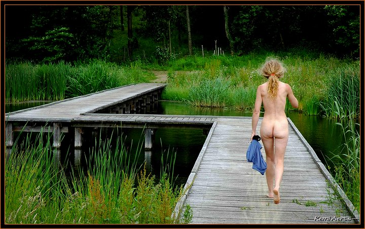 "photo ""freedom in nature"" tags: portrait, nude, woman"