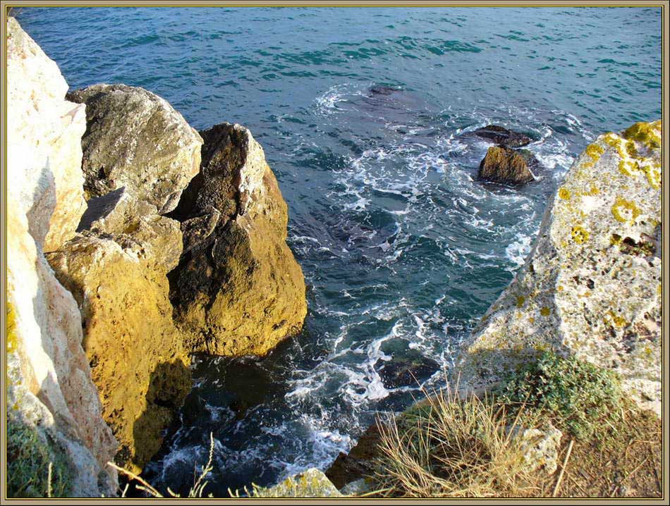 "photo ""Rocks and sea - 1"" tags: fragment, nature,"