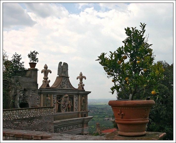 """photo """"Villa d'Este"""" tags: architecture, travel, landscape, Europe"""