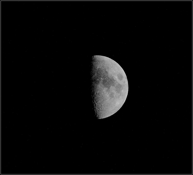 "photo ""Moon"" tags: nature, black&white,"
