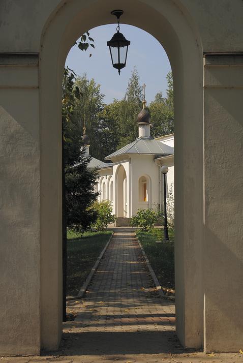 "фото ""Дорожка к храму"" метки: архитектура, пейзаж,"