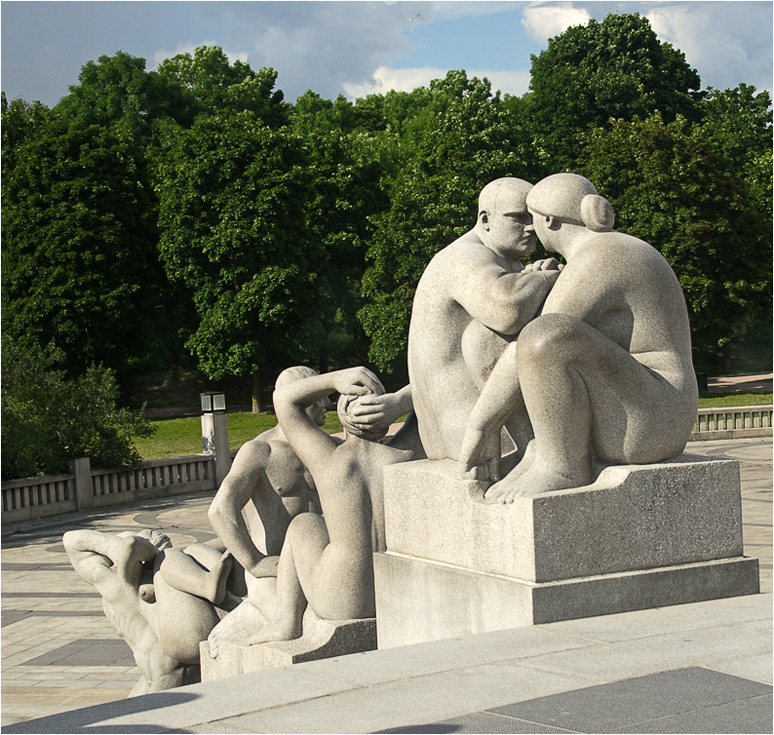 "photo ""Gustavo Vigellana Sculpture Park. Eternal theme"" tags: architecture, travel, landscape, Europe"