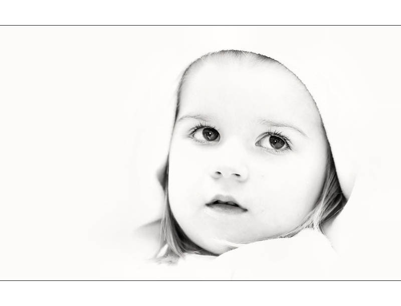 "photo ""in white"" tags: portrait, black&white, children"