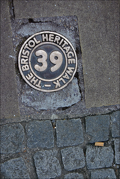 "photo ""Heritage walk,"" tags: city, abstract,"
