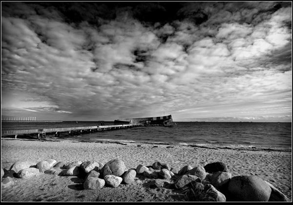 "фото ""Kastrup havnebad."" метки: пейзаж, облака"