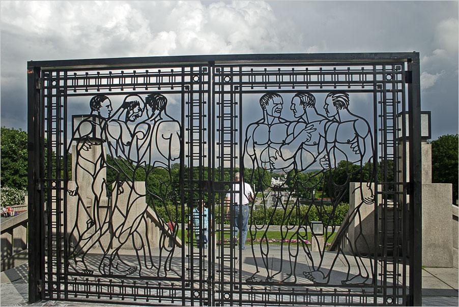 "photo ""Sculpture park Gustave Vigellana, Oslo. Lattice gates"" tags: architecture, travel, landscape, Europe"