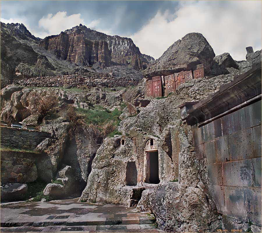"photo ""Geghard, Hayastan. IV-XIII S"" tags: architecture, landscape,"