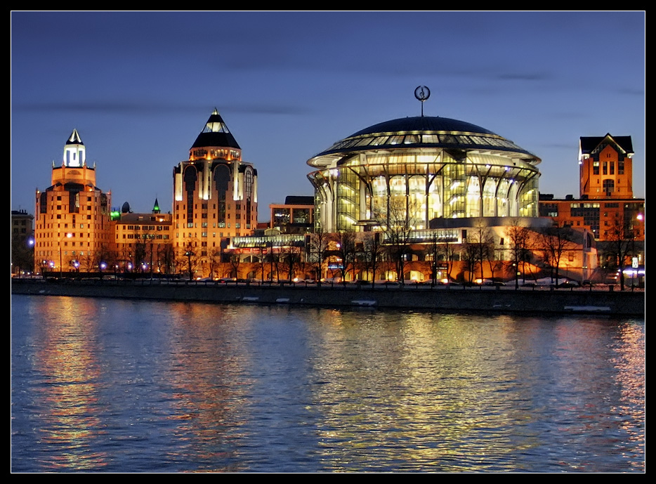 "photo ""Moscow's night"" tags: architecture, city, landscape,"