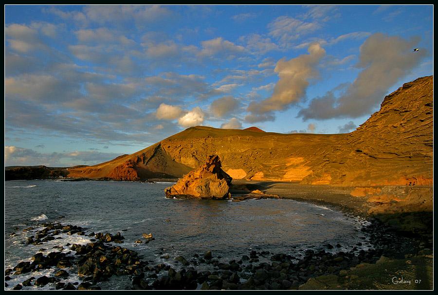 """фото """"Прикосновение солнца"""" метки: пейзаж, вода, горы"""