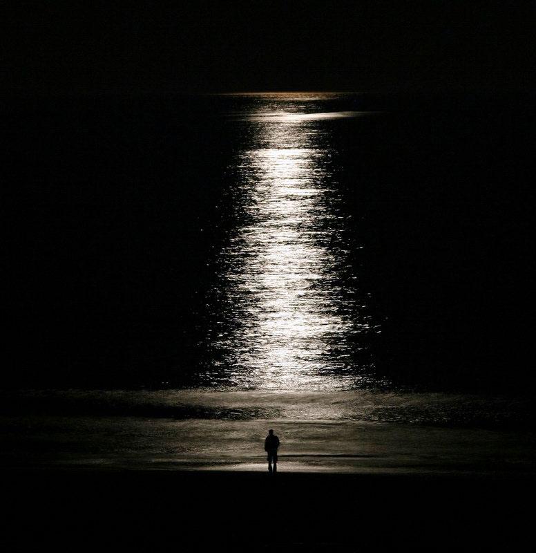 """фото """"Loneliness in the moonshiny"""" метки: пейзаж, вода, ночь"""