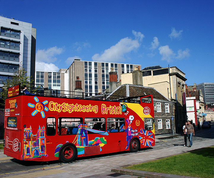 "photo ""The red bus."" tags: city, technics,"