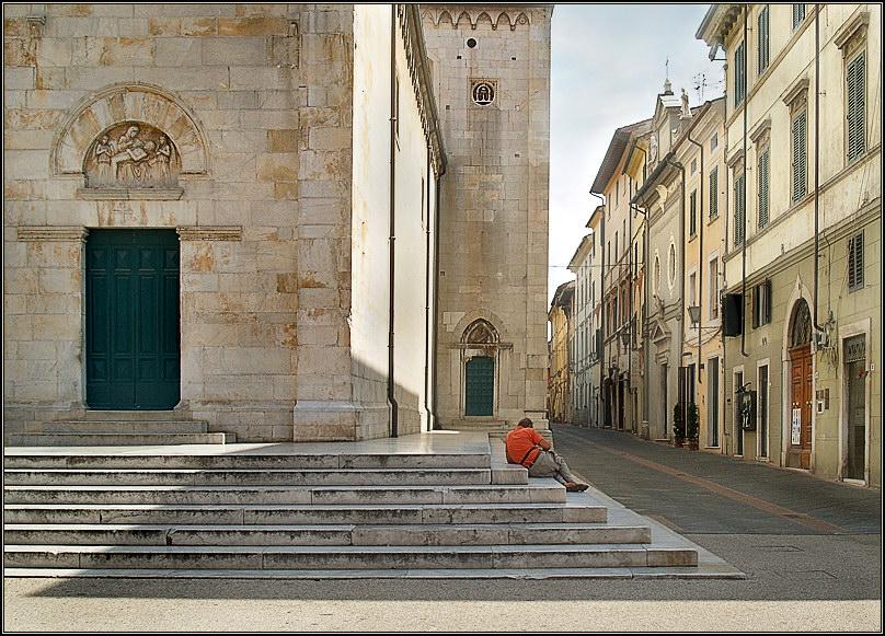 "photo ""Pietrasanta # 2"" tags: architecture, travel, landscape, Europe"