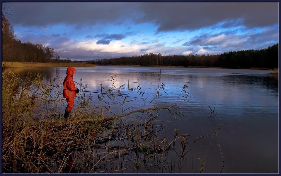 """photo """"Little fisherman."""" tags: landscape, genre, water"""