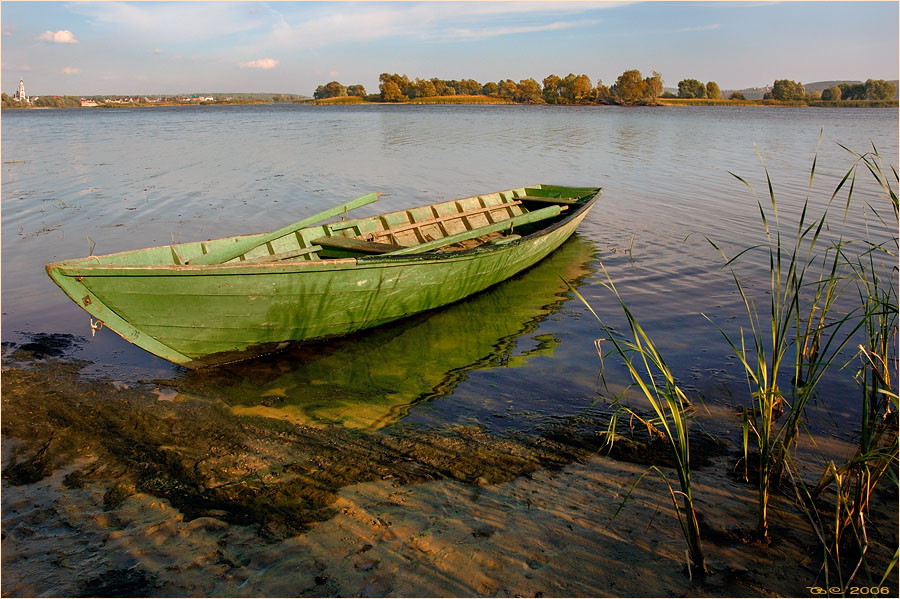 "photo ""Green boat"" tags: landscape,"